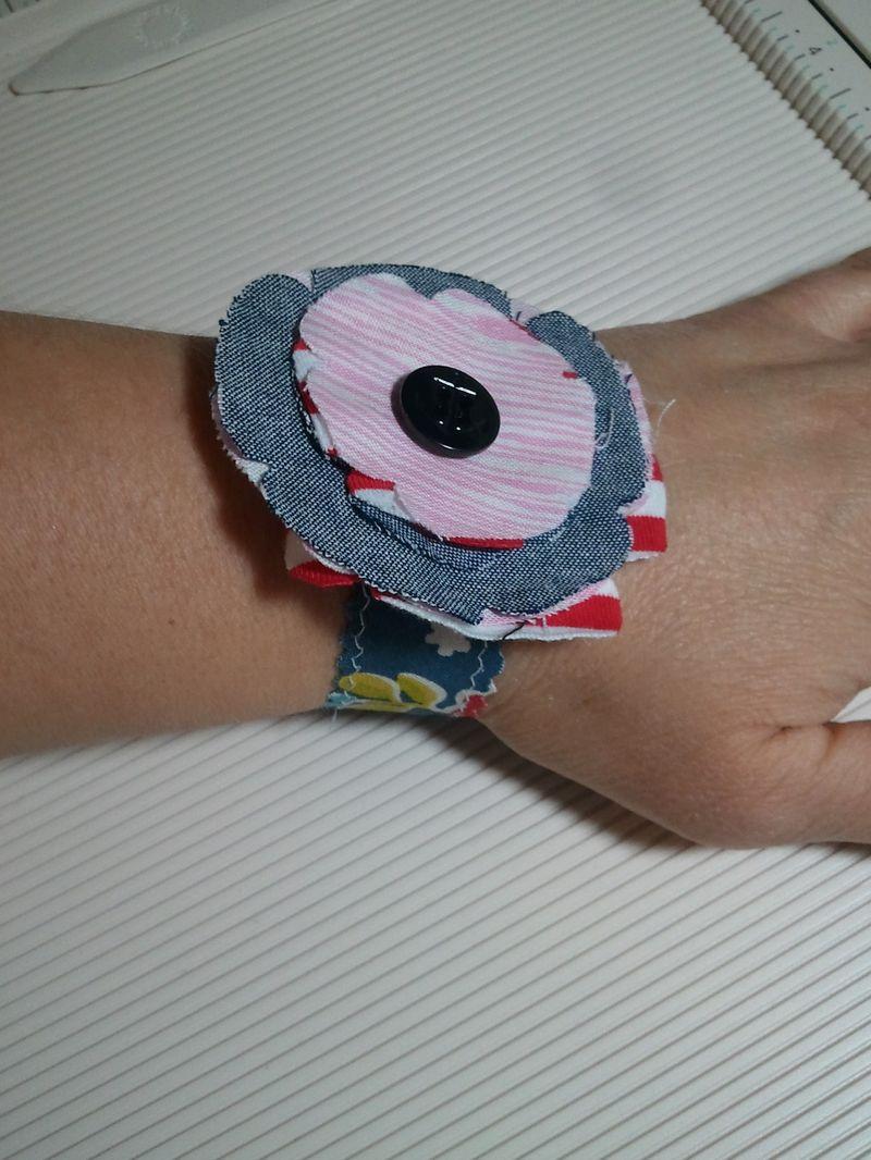 25Feb8 Fabric bracelet